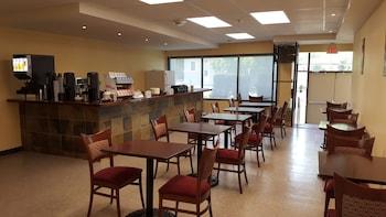 River Rapids Inn - Breakfast Area  - #0