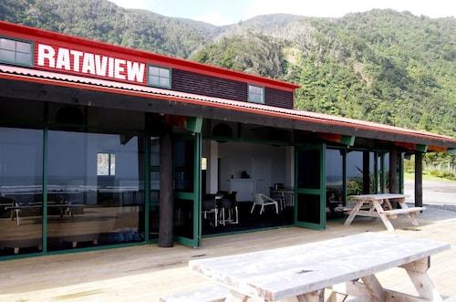 Rataview Accommodation, Grey