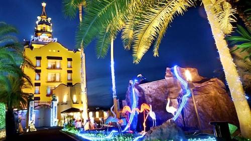 Hotel Chapel Coconuts -Adults Only, Hirakata