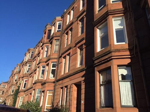 . Glasgow West End Apartments