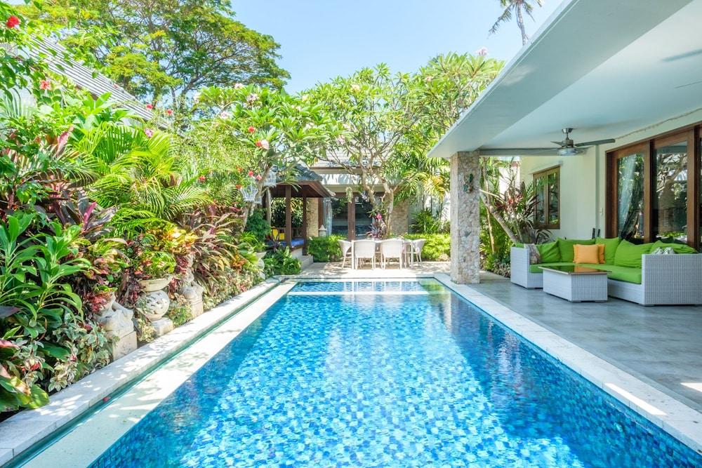 Kejora Villas Suites