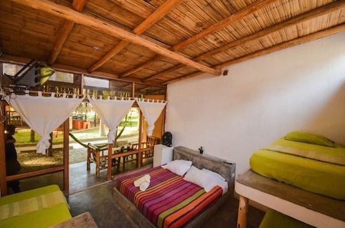 __{offers.Best_flights}__ La Casa de Sebas