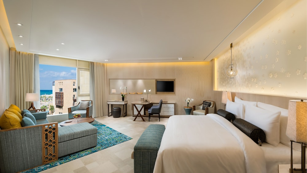 https://i.travelapi.com/hotels/16000000/15270000/15267600/15267600/40ab89c7_z.jpg