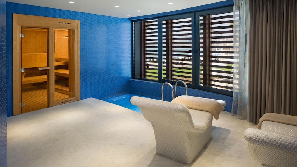 https://i.travelapi.com/hotels/16000000/15270000/15267600/15267600/4eb20b58_z.jpg