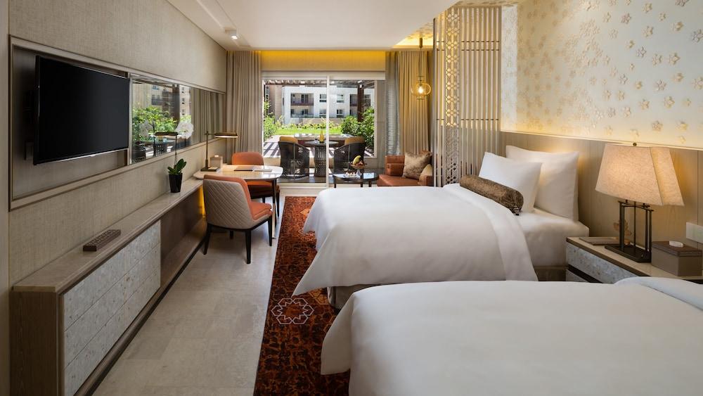 https://i.travelapi.com/hotels/16000000/15270000/15267600/15267600/568e09d5_z.jpg