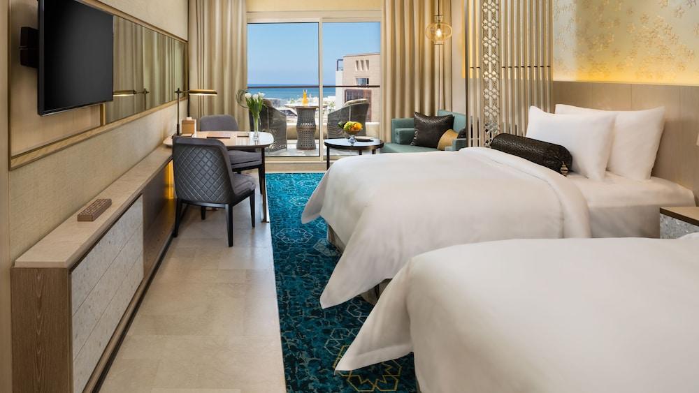 https://i.travelapi.com/hotels/16000000/15270000/15267600/15267600/7de2bc14_z.jpg