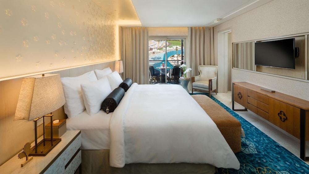 https://i.travelapi.com/hotels/16000000/15270000/15267600/15267600/9a733337_z.jpg