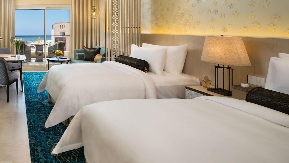 https://i.travelapi.com/hotels/16000000/15270000/15267600/15267600/a1efd111_z.jpg