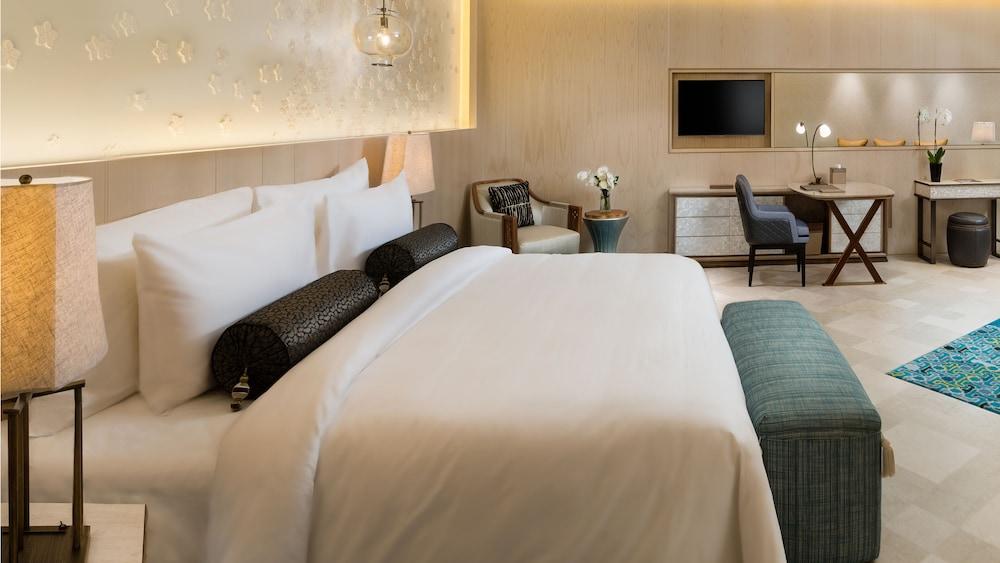 https://i.travelapi.com/hotels/16000000/15270000/15267600/15267600/d72a5bf9_z.jpg