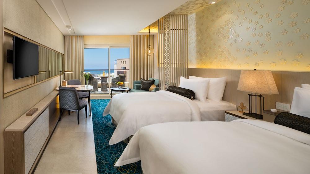 https://i.travelapi.com/hotels/16000000/15270000/15267600/15267600/f990af82_z.jpg