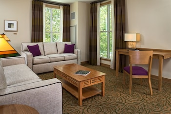 Living Area at The Inn at Swarthmore in Swarthmore