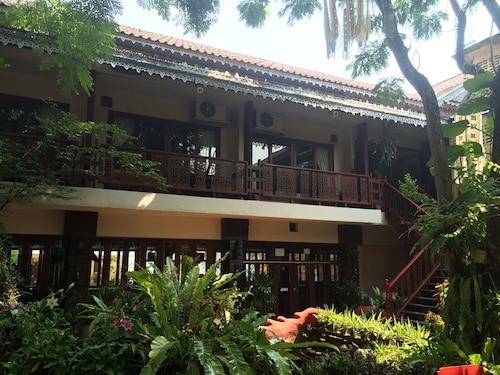 . Mae Hong Son Mountain Inn Hotel & Resort