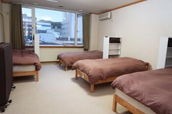 共同ドミトリー 男性限定 共用バスルーム|20㎡|小樽駅前ゲストハウス糸