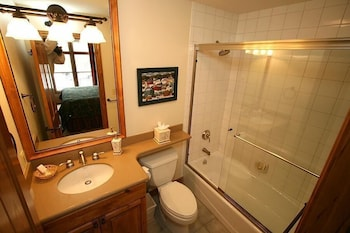 Highlands Townhome by Vail Realty - Bathroom  - #0