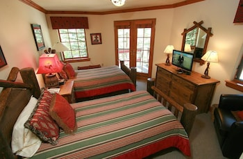 Pinehurst Townhomes by Vail Realty - Guestroom  - #0
