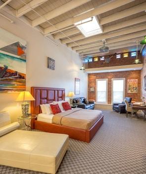 Hotel - Retro Suites Hotel