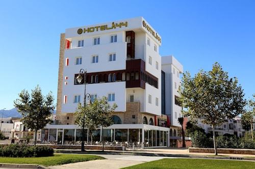 . Hotel A44