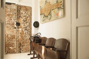 Belledonne Suite & Gallery - Interior Entrance  - #0