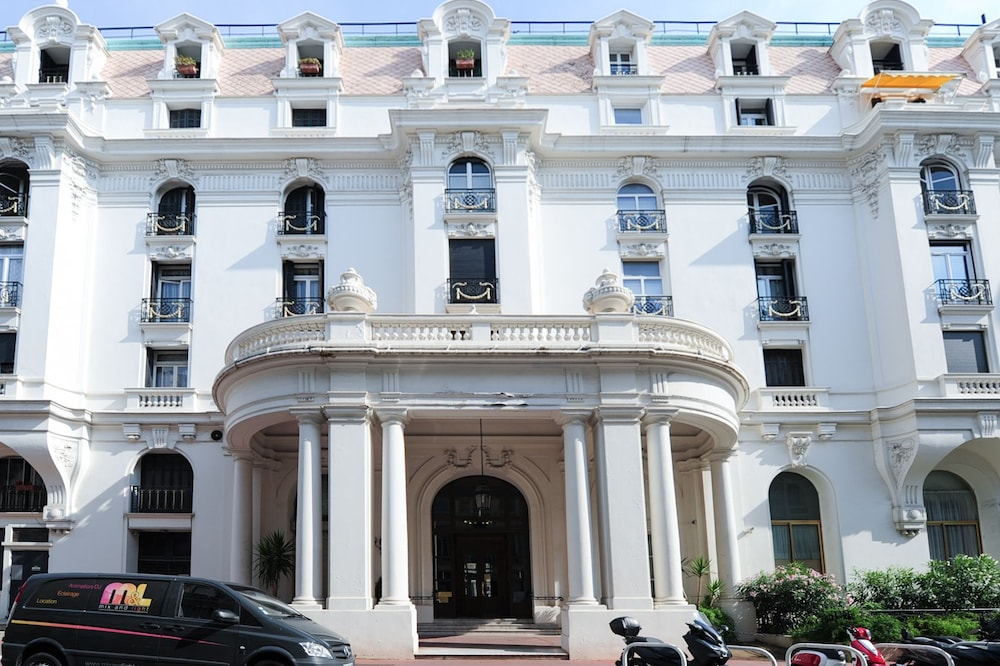 Royal Negresco - 5 Stars Holiday House