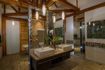 DONATELA HOTEL Bathroom