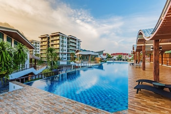 Hotel - Chalong Miracle Lakeview Resort & Spa