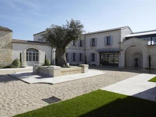 . Château la Rose Perriere