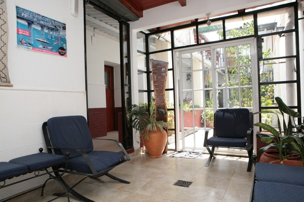 Hostal La Linda, Capital