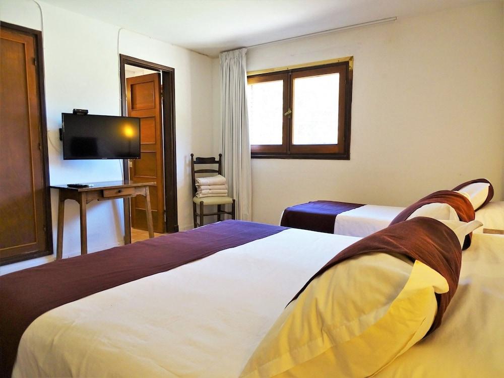 https://i.travelapi.com/hotels/16000000/15370000/15361700/15361679/8e167c99_z.jpg