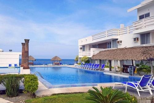 . Canadian Resorts Veracruz