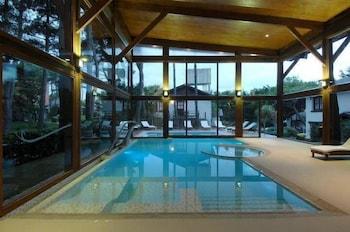 https://i.travelapi.com/hotels/16000000/15370000/15362900/15362837/5a70c359_b.jpg