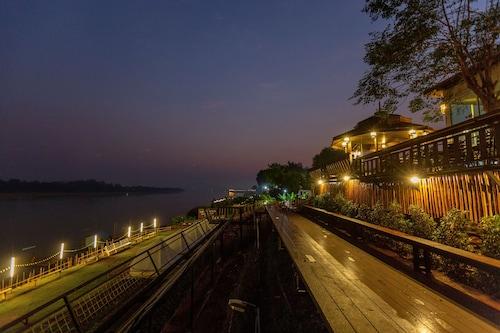 . Chiangkhan River Mountain Resort