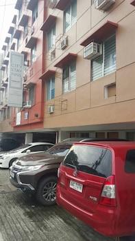 ZEN ROOMS BASIC MAKATI CITY HALL Parking