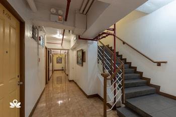 ZEN ROOMS BASIC MAKATI CITY HALL Hallway