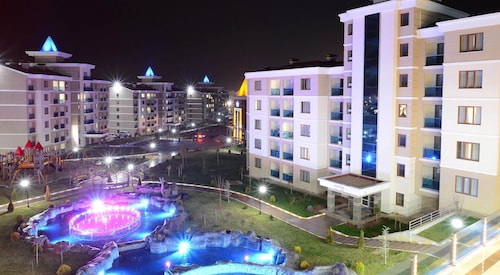 Grand Ozgul Thermal Holiday Village, İhsaniye