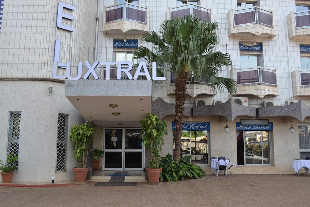 Le Luxtral Hôtel