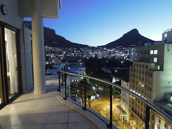 Cape Town City Luxury Apartments - Featured Image  - #0