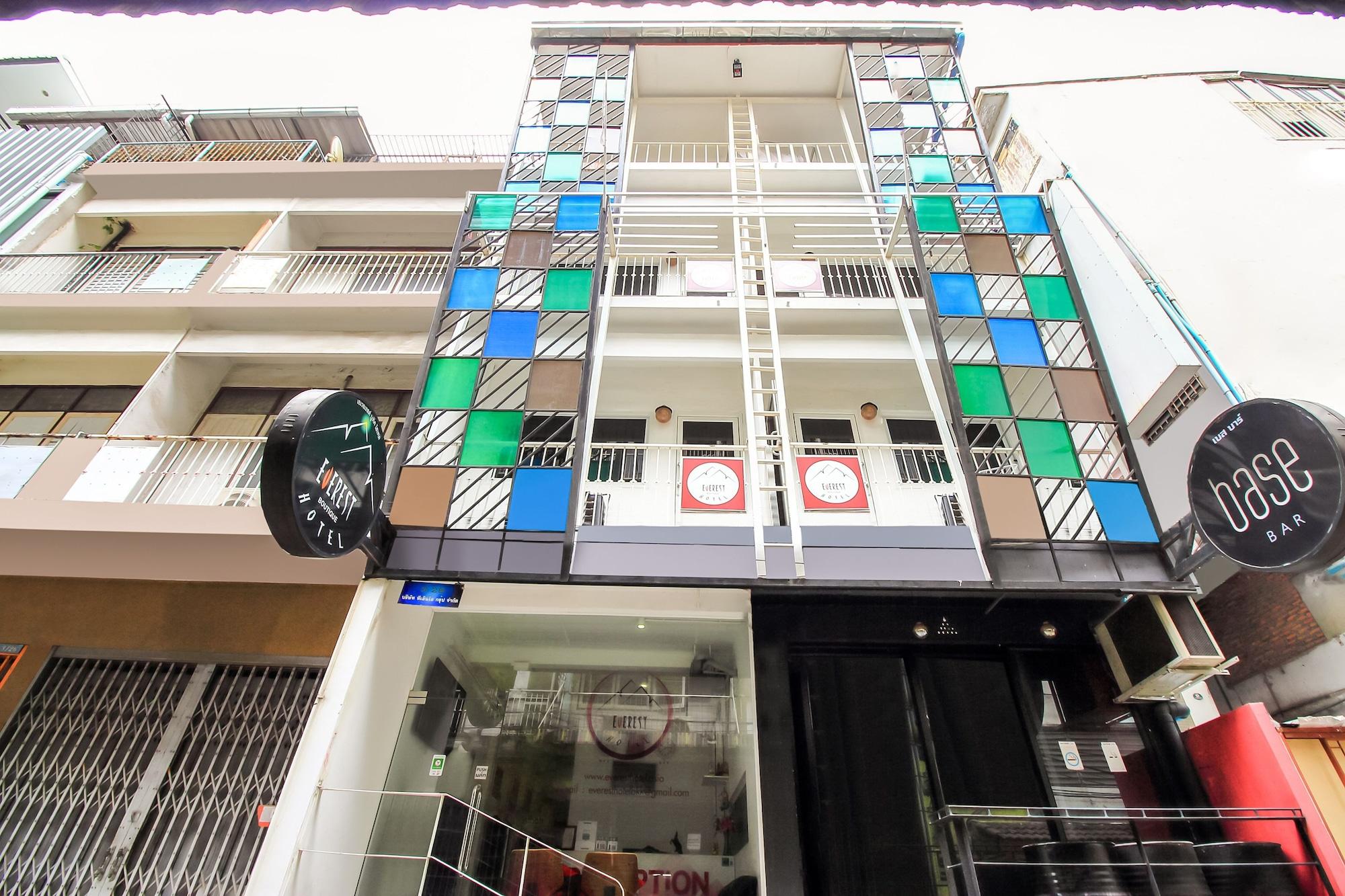 Everest Boutique Hotel, Khlong Toey