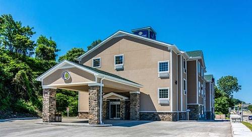 Cobblestone Hotel & Suites - Erie, Erie