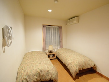 Compact Twin Room, Separate Bathroom