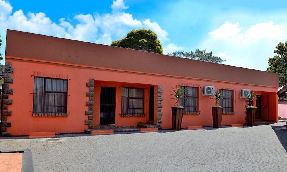 Visit Vakasha Guest Lodge 1