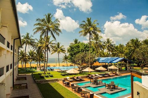 . Camelot Beach Hotel