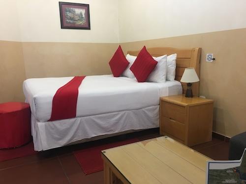 . Airport Hotel Maun