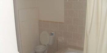 The Crest Conference & Retreat Center - Bathroom  - #0