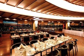 EUGENIO LOPEZ CENTER Restaurant