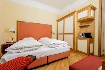 Comfort Tek Büyük Yataklı Oda, Balkon, Park Manzaralı