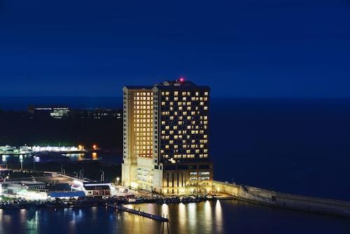 __{offers.Best_flights}__ Ramada Sokcho Hotel