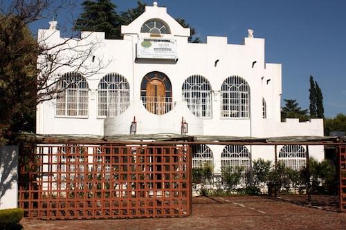 Just Tiffany Guest House, Dr Kenneth Kaunda