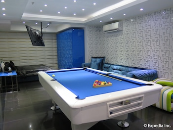 LUKS LOFTS HOTEL & RESIDENCES Billiards