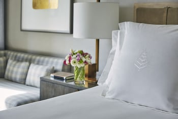 Accessible SoHo Room with King Bed