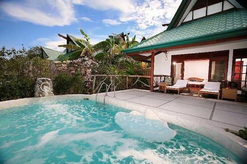 Badian Island Wellness Resort, Badian